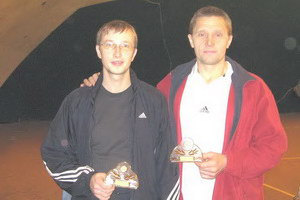 Комаров Иван (на фото слева) и Бусов Александр - сильнейшие в среднем дивизионе