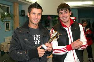 Сергей Горпинко (слева) - победитель в среднем дивизионе у мужчин