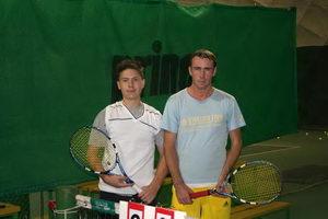 Михаил Балмашев (слева) и Базунов Павел перед началом четвертьфинала в абсолютном разряде