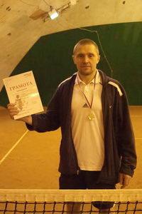 Александр Бусов праздновал также победу в финальном матче одиночного турнира 2 ноября в среднем дивизионе, который доигрывался в это воскресенье