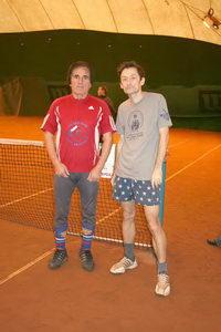 Футболист и теннисист Заури Абуладзе (на фото слева) и заслуженный теннисист CREYDA-тура Петр Скурлов
