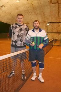 Финалисты Барабанов Михаил (слева) и Капшай Сергей сыгрывались походу турнира