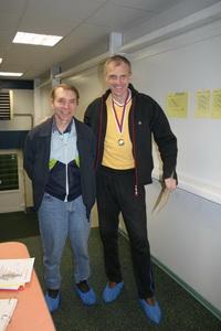 Соловьев Андрей (слева) уступил в финале верхнего дивизиона Солдатову Александру (справа)