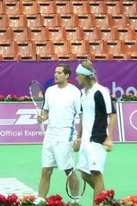 Михаил Елгин (слева) и Александр Кудярвцев что-то на пару замышляют