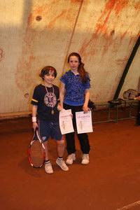 Победитель в разряде 9-14 лет Рябенький Даниил (Л) и финалист Мельничук Вероника