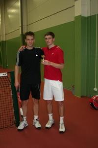 Финалист Сергей Киселев (Л) и победитель Сергей Андрюшин