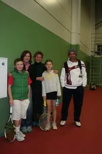 На детский турнир серии РТТ приехали юные дарования из Москвы, с мамами и настоящим испанским тренером
