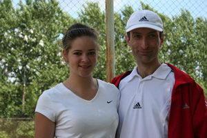Прокофьева Алиса пришла на турнир с отслужившим в армии Петровым Сергеем. Но на фото с Алисой, почему-то, другой Сергей – Авенир :)