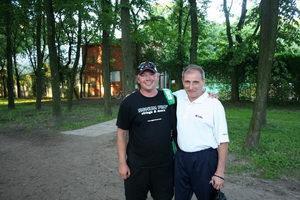 Кербс (Л) нашел время в своем напряженном турнирном графике и сфотографировался для нашего репортажа с Германом Борисом