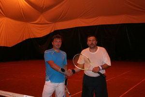 А Сергей Капшай (П) порвал струны, но тем не менее одолел Дидух Юрия (Л)