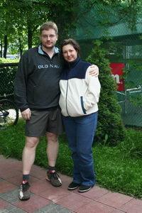 Алексей Молоствов с супругой  наслаждались прекрасной погодой