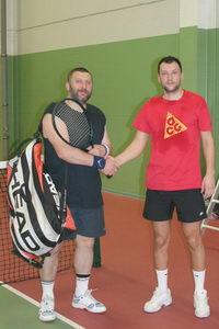 Победитель нижнего дивизиона Капшай Сергей (Л) и финалист Афраймович Дмитрий