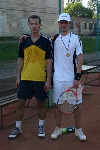 Финалист нижнего дивизиона Андрей Подберезкин (Л) и победитель Алексей Горяинов
