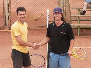 Финалист турнира Дмитрий Метелица (справа) и победитель Дмитрий Тувике