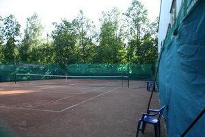Открытый теннисный корт клуба на Мототреке