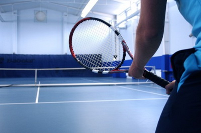 Там и бассейн есть, и гостиница. Так что теннис - не главное в Нептуне