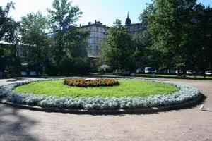 На этом месте Чернышевского казнили. По-граждански, не взаправду